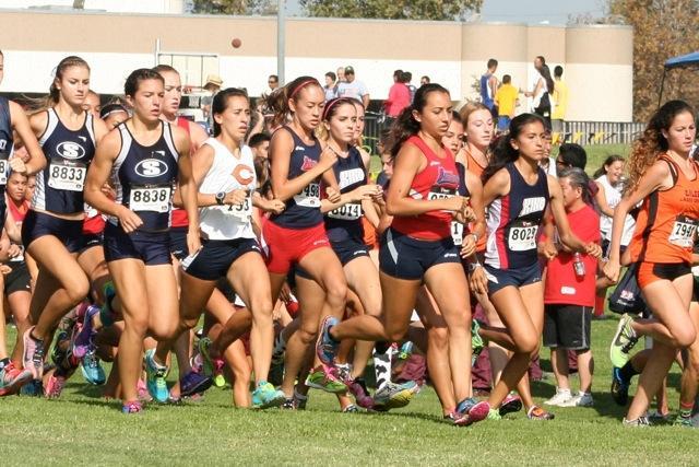 Rachel+Iida%2C+pictured+above%2C+takes+off+to+begin+her+race.+Photo+by+Tara+Allen.