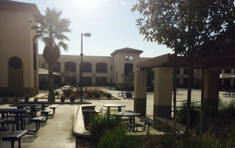 The sun shines upon the YLHS Quad during one of California's plentiful warm days.