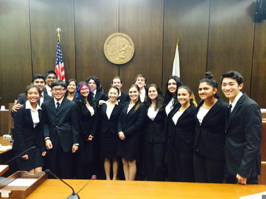 YLHS+Mock+Trial+is+Recruiting%21