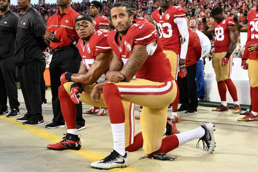 Eric+Reed+joins+Colin+Kaepernick+in+protest+against+the+American+flag.