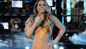 Mariah Carey completely stopped lipsyncing in the middle of the show in New Year's Eve performance in Times Square.