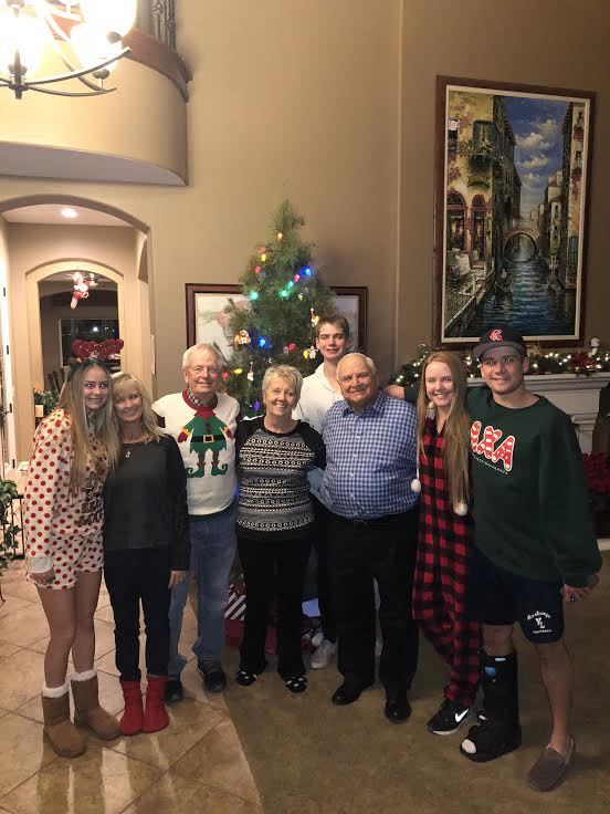 All%C3%AD+Provenzano+%2812%29+gathers+with+her+family+in+Christmas+pajamas+to+celebrate+Christmas+Eve.