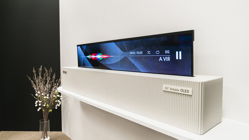 LG+has+unveiled+their+new+rollable+OLED+TV+at+the+CES.