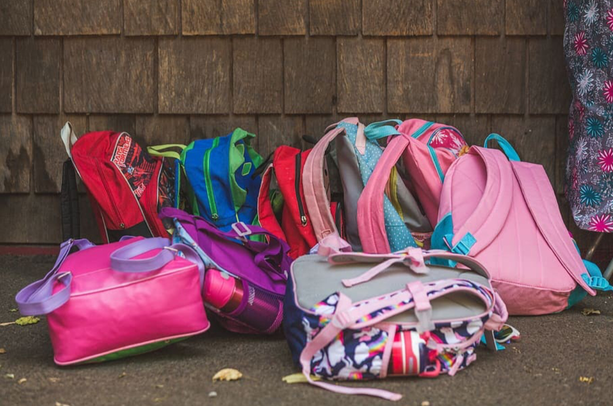 Monitoring the weight of children's backpacks are especially important, but a 2002 Texas study found that about 96 percent of parents do not check the weight of their children's backpacks.