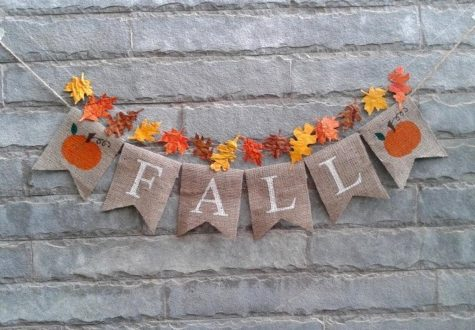 This DIY fall banner hangs beautifully on any surface. Source: @Sunshineatheart on Etsy
