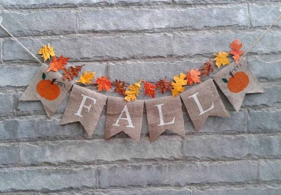 This+DIY+fall+banner+hangs+beautifully+on+any+surface.+Source%3A+%40Sunshineatheart+on+Etsy%0A%0A