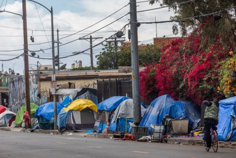 Along the streets of Los Angeles, it is nothing new to spot homeless people camped out sporadically, but because of the recent COVID-19 outbreak, homelessness has seemed to increase rapidly, with more and more people setting up tents each day.