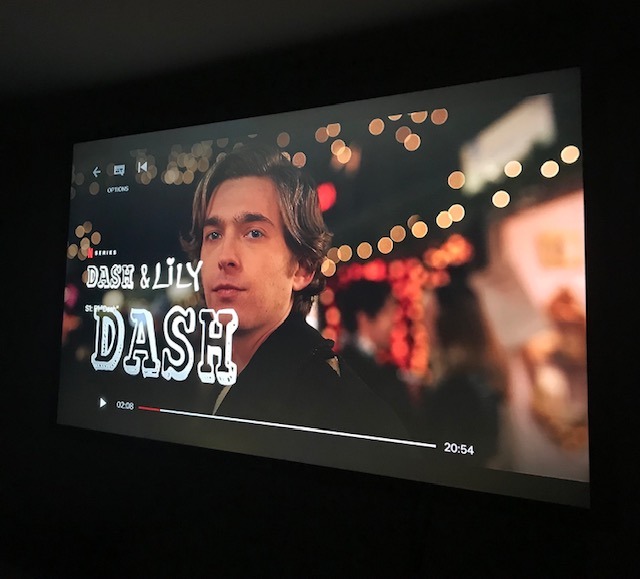 Dash and Lily is Netflix's newest Christmas show depicting the inciting love story of two star-crossed teenagers.