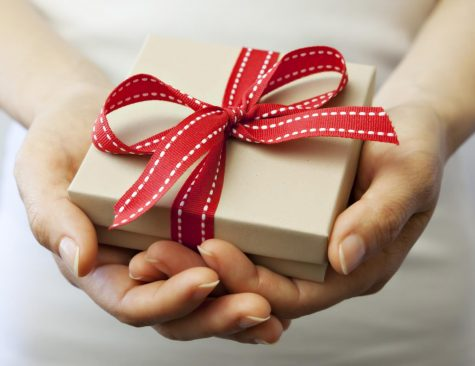 Although it may seem difficult to find an appealing gift for picky gift receivers, there are many options for gifts that are sure to impress these people.