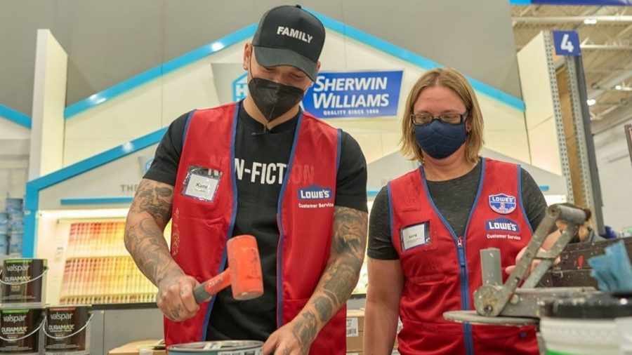 Kane Brown lending a hand to Lowe's to give back to the community.